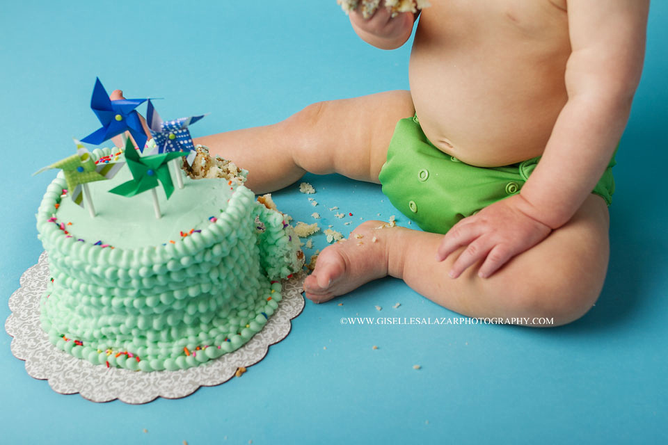 Cake smash photographer in West orange, Englewood NJ