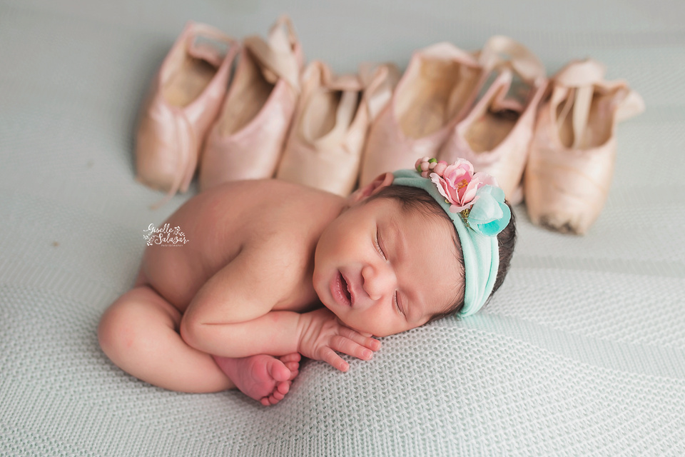 Central NJ newborn photographer